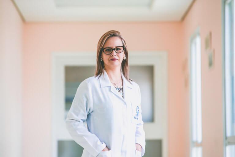 Aline Silveira: uma profissional que cresce com o Hospital Navegantes e se fortalece na adversidade